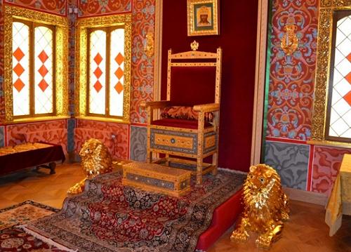 Царский трон. Престол